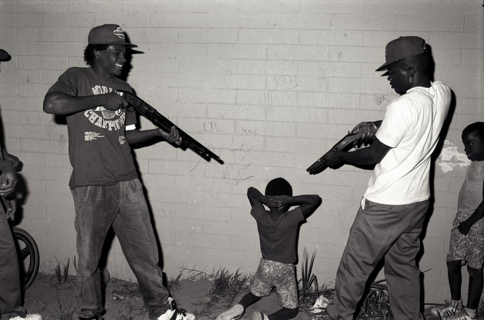 fascinating photos show the lives of those in infamous la